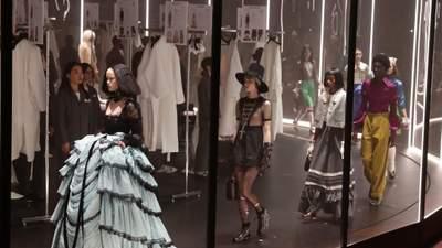 Компания, владеющая Gucci и Yves Saint Laurent, отказалась от натурального меха